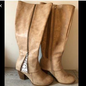 🍁NWT 11W Torrid Boots